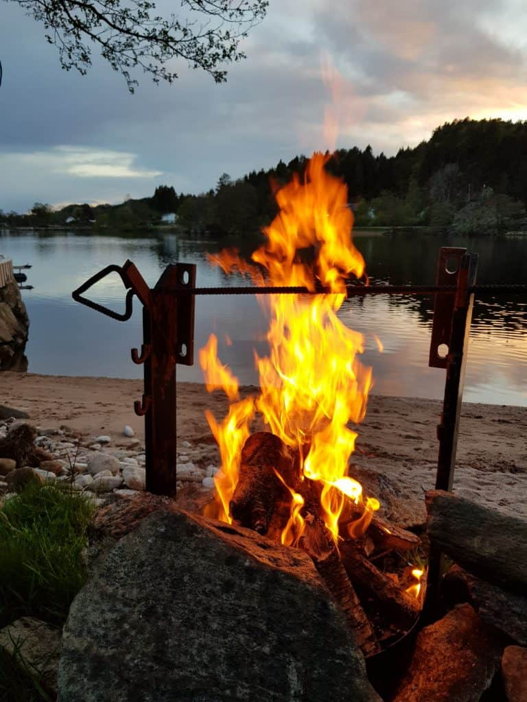 Lagerfeuer Norwegen mit JAS-TOURS.DE