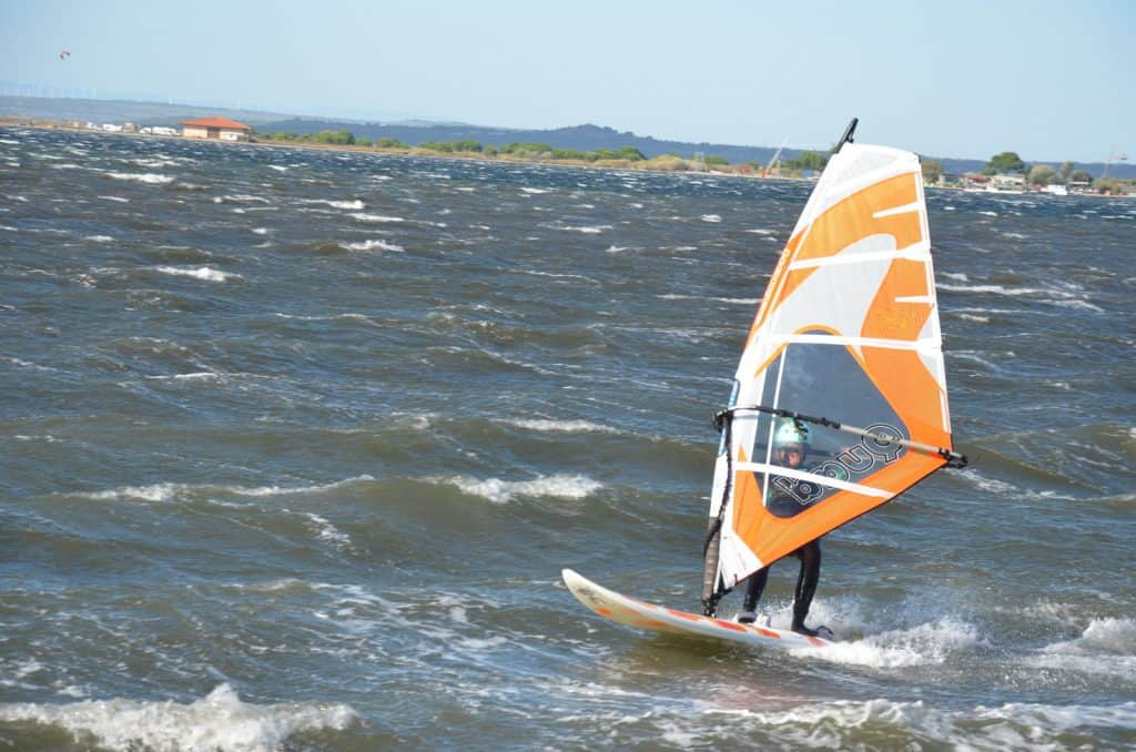Frauenpower beim Windsurfen